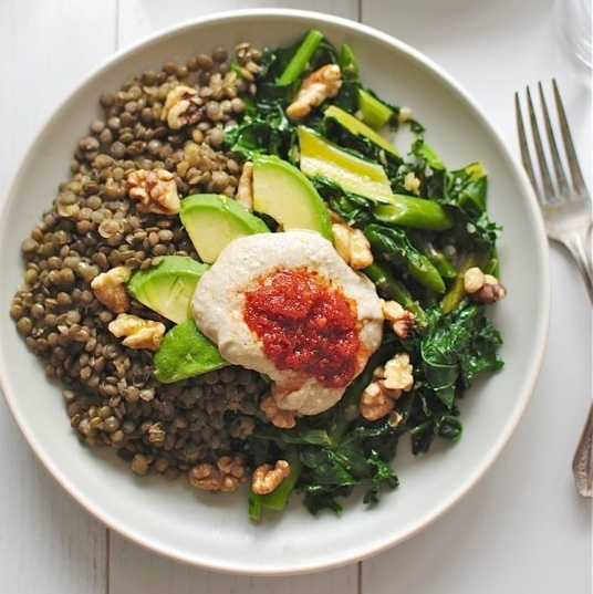 LENTILS WITH GARDEN VEGETABLES, AVOCADO, WALNUTS AND HUMMUS