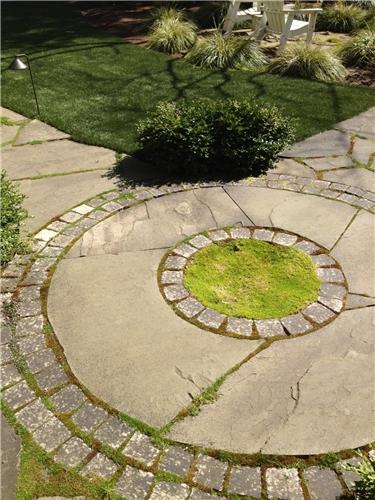 concrete-stone-moss-spring-greenworks_4112.jpg