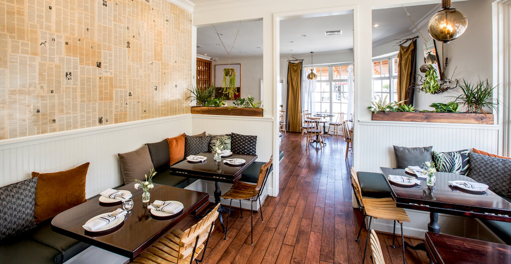 SMALL DINING SOUTH WALL | ROOM SEATS 16 Available for Large Party Bookings