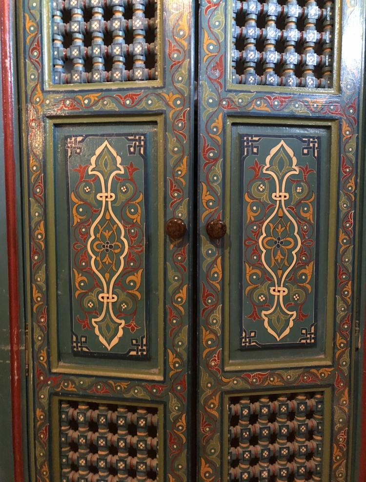 エッサウィラでのステイ先 クローゼットの扉。かわいい。