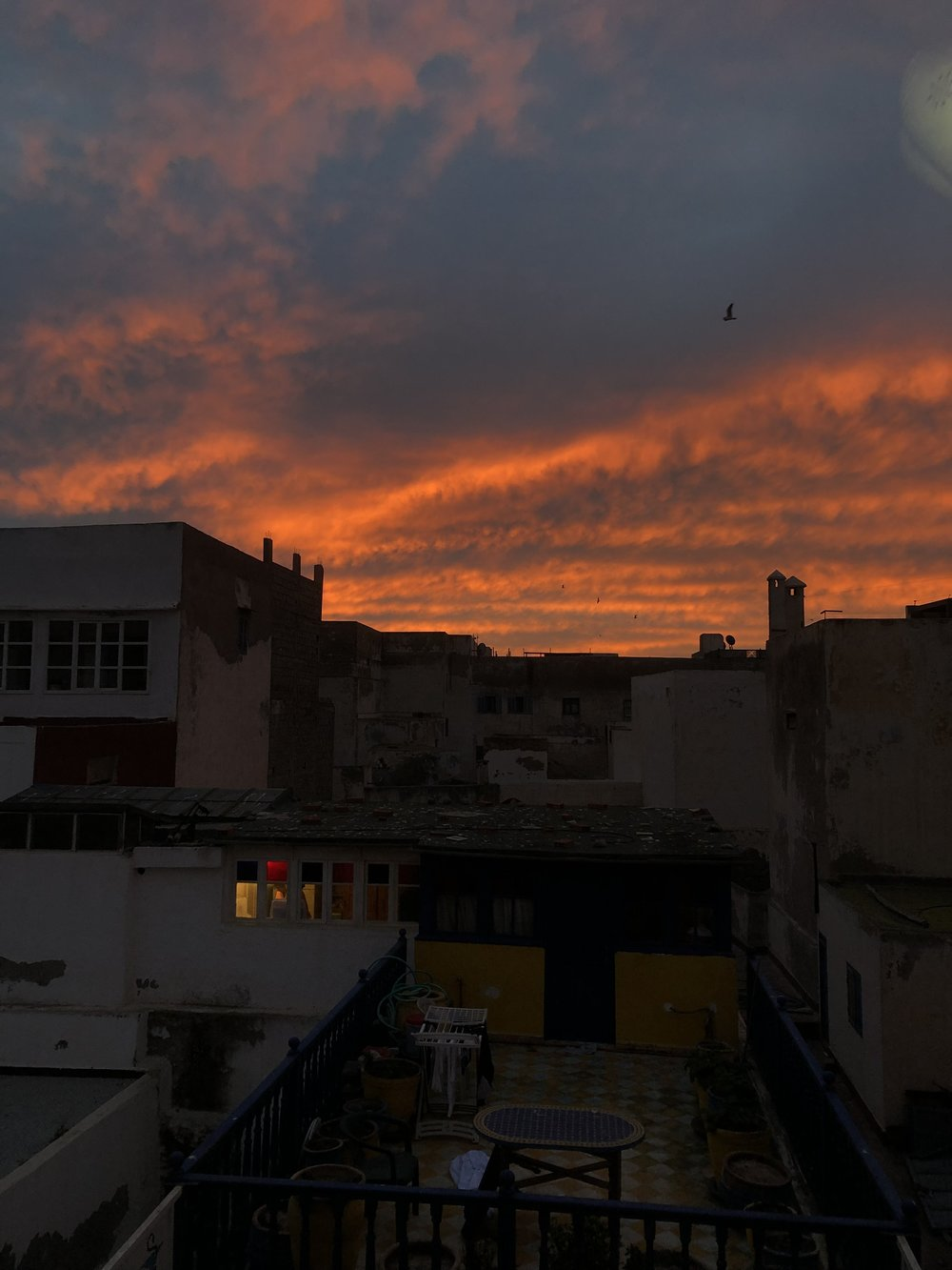 最終日の朝 窓から見えた朝焼け。