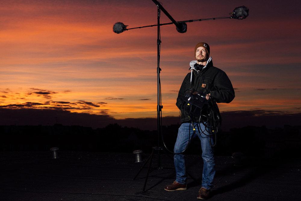 Imageportraits von Moritz Hoffmeister beim 3D Tonaufnahmen für die Firma Ton & Meister über den Dächern von Kreuzberg, Berlin