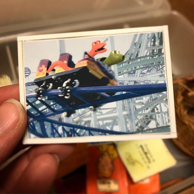 En gång var bästa kompisarna Jack och Pedro på tivoli... 😊 Bilden skapad av @annika_bergstroem om jag inte minns fel? Till filmerna om Jack och Pedro 2006. #rodaroboten #jackochpedro