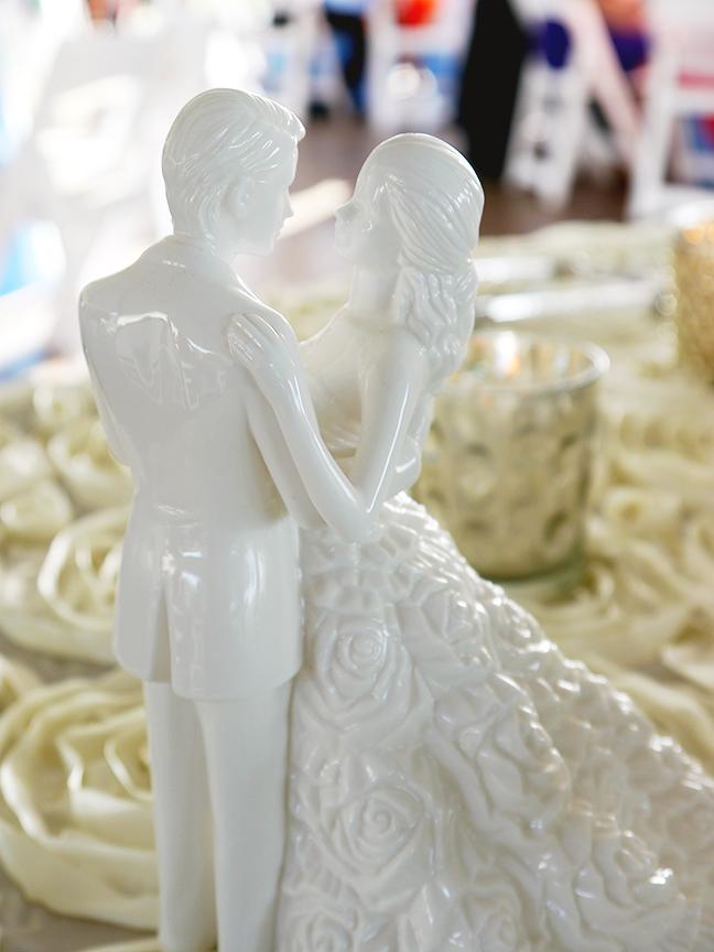 figurineres372.jpg