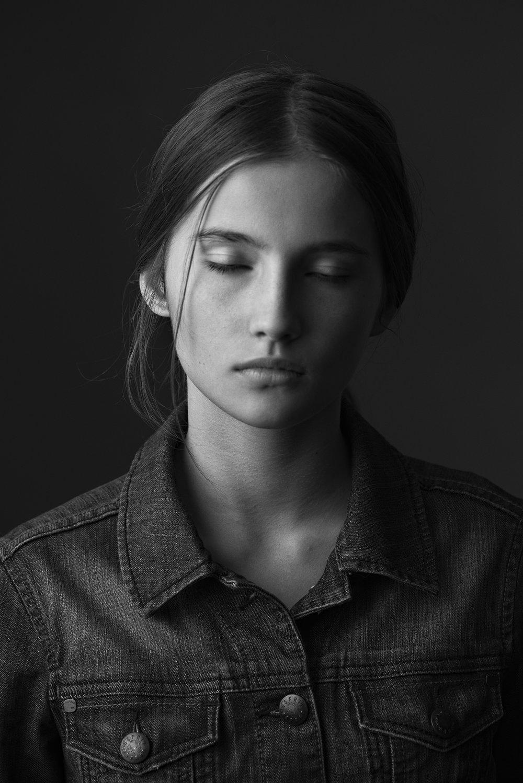 Julia Modzelewska / D'vision