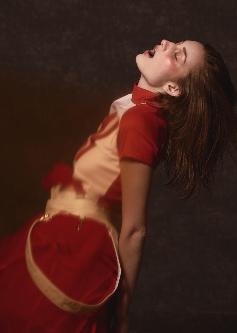 Pause - CampaignDesigner: Marta PilasModel: Natalia / NEVA ModelsMovement direction: Aga Konopka / MOVEMake-up & Hair: Anna Słowińska