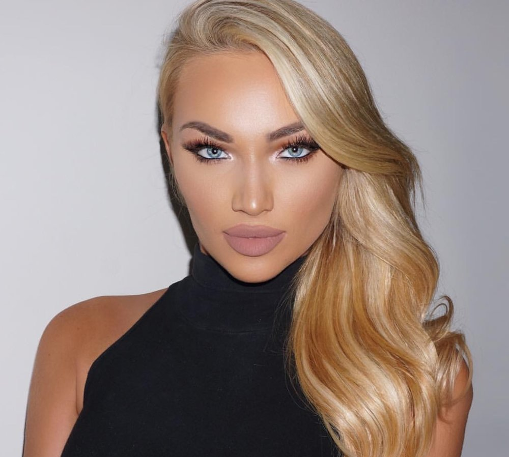 She's such a beauty! Jose Corella did a fantastic job on this makeup look for @tarabooher. Her nude lips are everything!  I do not own this photo