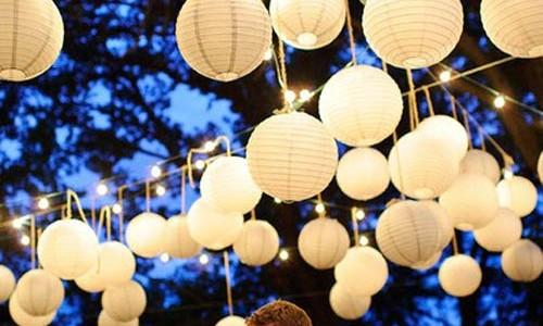 fascinating-outdoor-glass-christmas-lantern-lights-desing-ideas-1-500x300.jpg