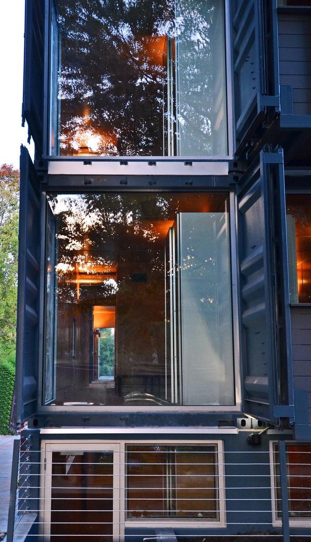 SeaUA  Housing  Travis Price Architects02.jpg