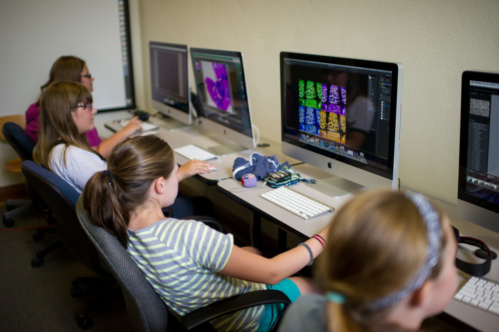Students working in Photoshop.