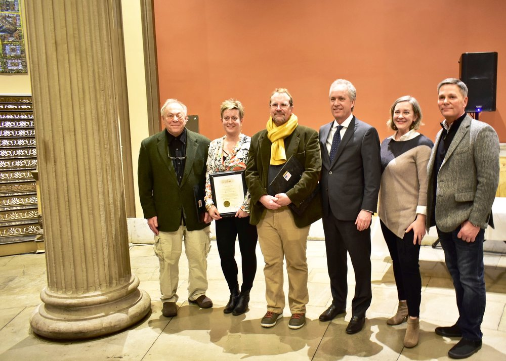 L-R: Artists CJ Pressma, Jenny Zeller and Mitch Eckert, Mayor Greg Fischer, Metro Public Art Administrator Sarah Lindgren, LVA Executive Director Lindy Casebier