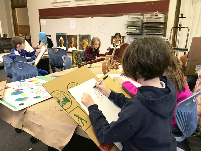 Learning to see is an essential part of every artist's development. Elementary students in instructor Rick's CFAC class hone their observational skills creating contour line drawings from life with impressive results!
