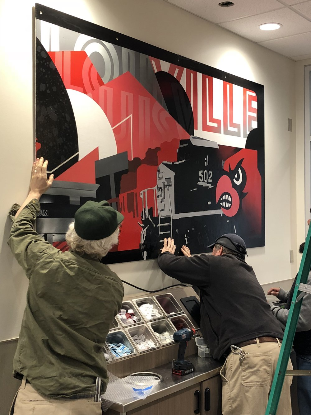 Another Kroger mural has gone up! Our neighbors  @oftenseenrarelyspoken  did a great job on this, now visible at the University of Louisville location by Churchill Downs!