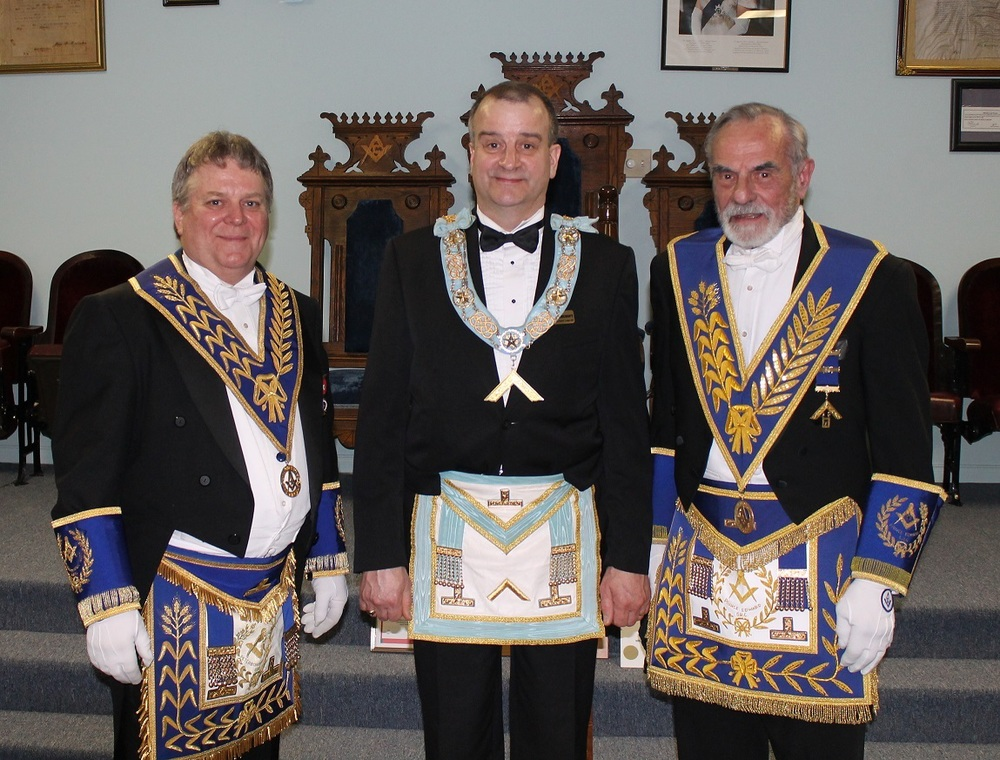 Visit from DDGM & Grand Lodge.jpg