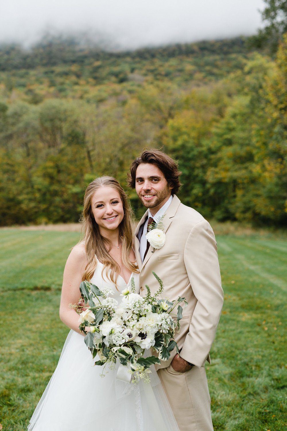 STEPHANIE & DYLAN - BLOOM MEADOWS BERKSHIRES