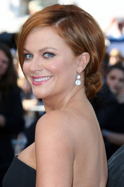 Amy-Poehler-beauty-Vogue-19May15-Rex_b_426x639.jpg