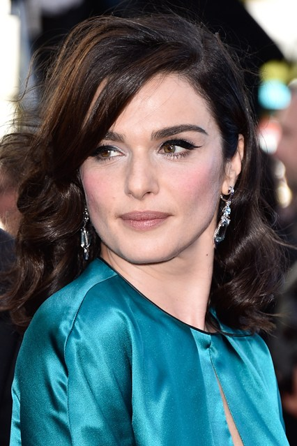 rachel-weisz-earrings-vogue-21may15-getty_b_426x639.jpg
