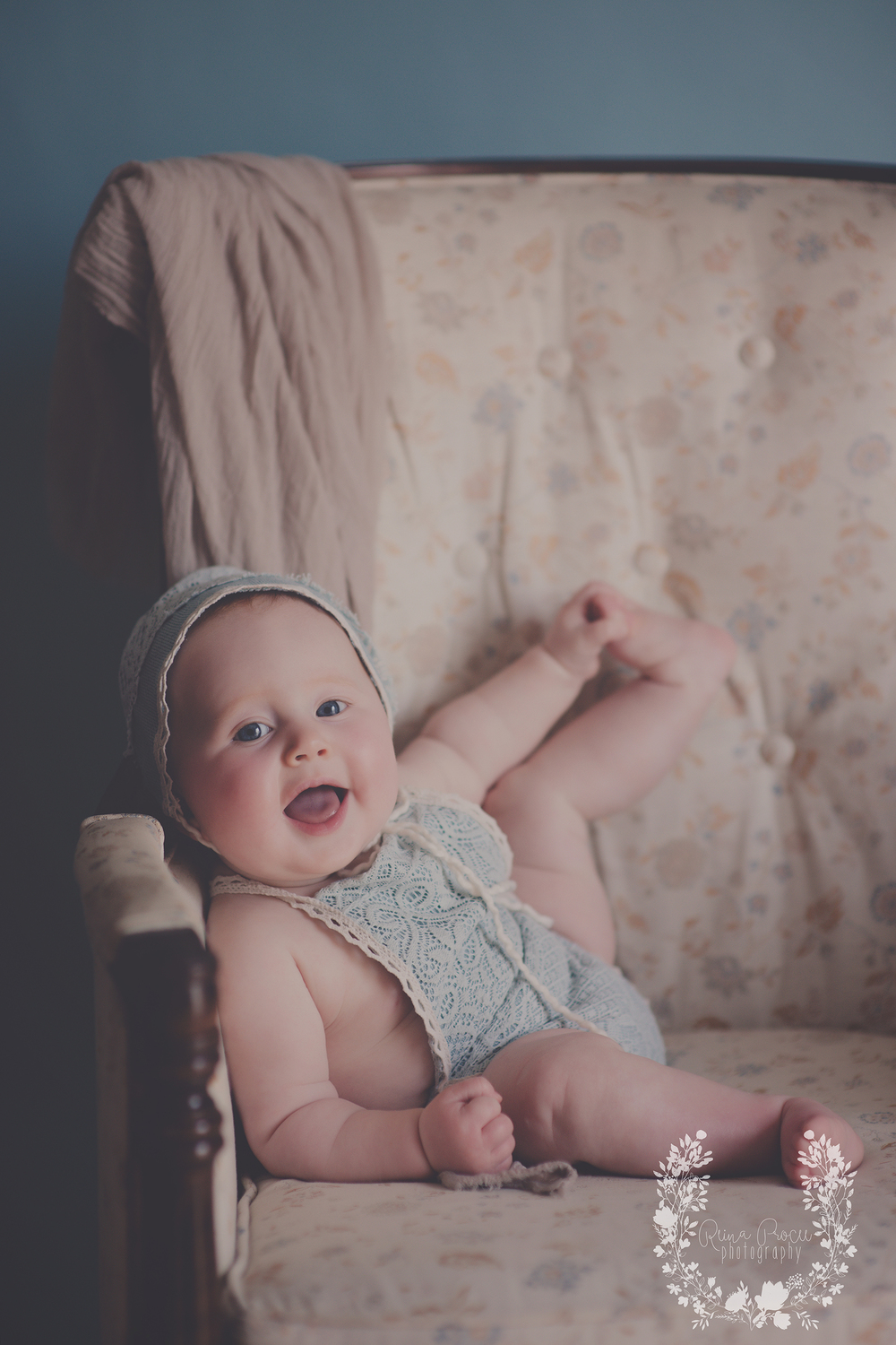 montreal-baby-pictures-sunset-6-months-beautiful-girl-08.png