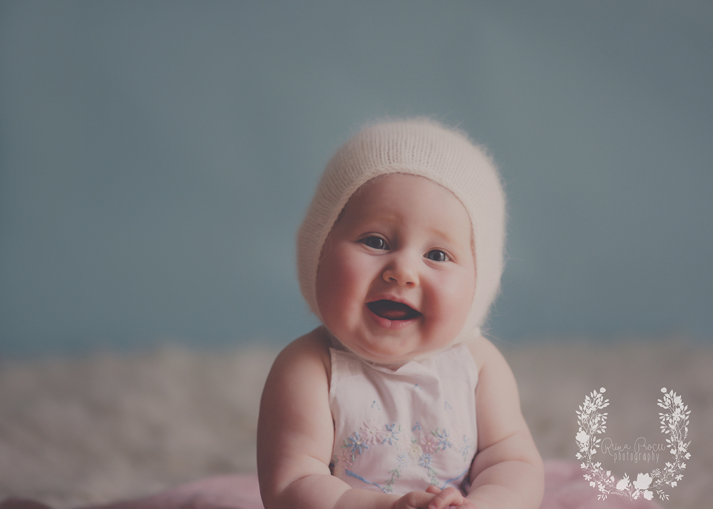 montreal-baby-pictures-sunset-6-months-beautiful-girl-25.png