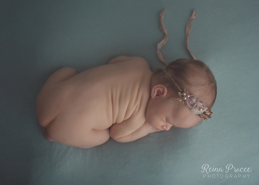018-montreal-newborn-photographer-beautiful-baby-photos.jpg