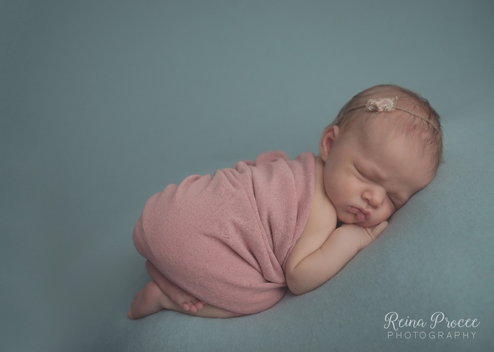 022-montreal-newborn-photographer-beautiful-baby-photos.jpg