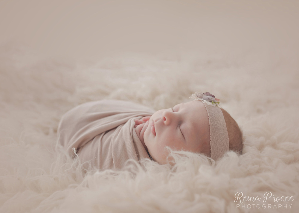 034-montreal-newborn-photographer-beautiful-baby-photos.jpg