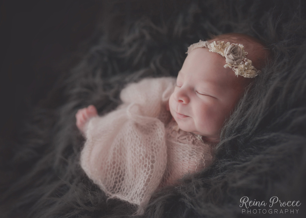 035-montreal-newborn-photographer-beautiful-baby-photos.jpg