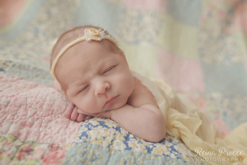 036-montreal-newborn-photographer-beautiful-baby-photos.jpg