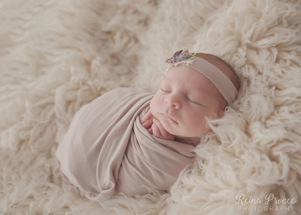 039-montreal-newborn-photographer-beautiful-baby-photos.jpg