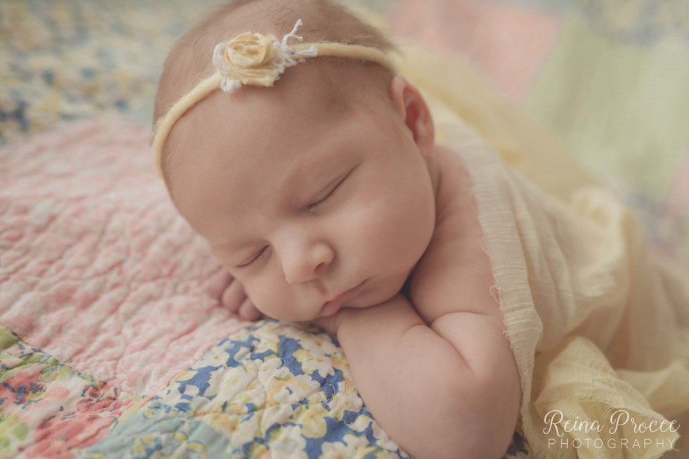 041-montreal-newborn-photographer-beautiful-baby-photos.jpg