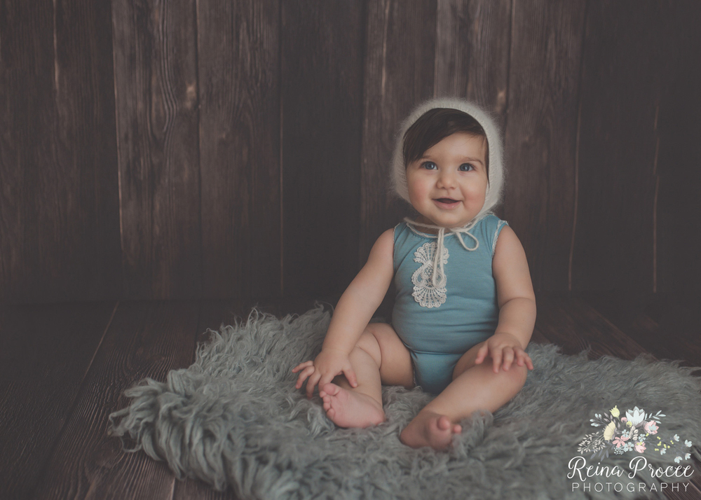 3-montreal-baby-photographer-beautiful-infant-photos-milestones.jpg