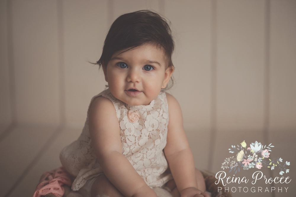 7-montreal-baby-photographer-beautiful-infant-photos-milestones.jpg