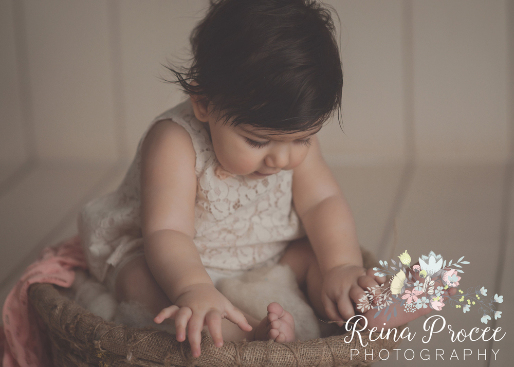 9-montreal-baby-photographer-beautiful-infant-photos-milestones.jpg