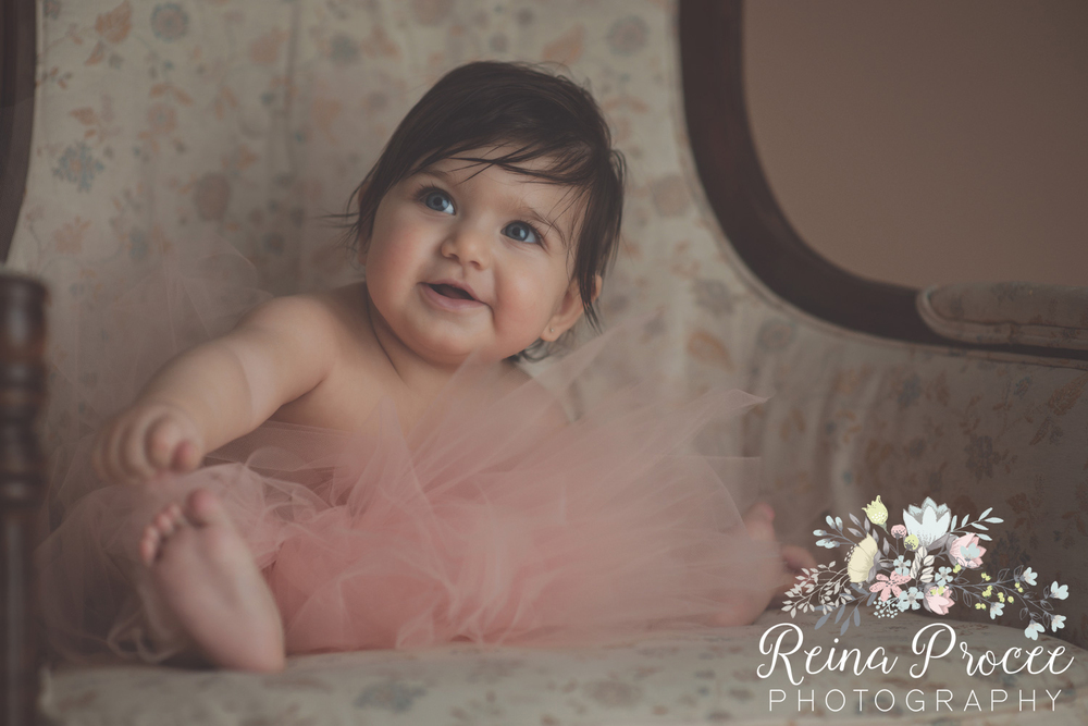 16-montreal-baby-photographer-beautiful-infant-photos-milestones.jpg
