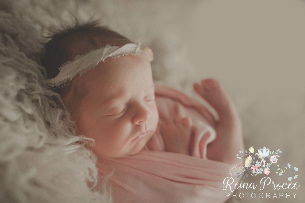 047-montreal-newborn-photographer-beautiful-baby-photos.jpg
