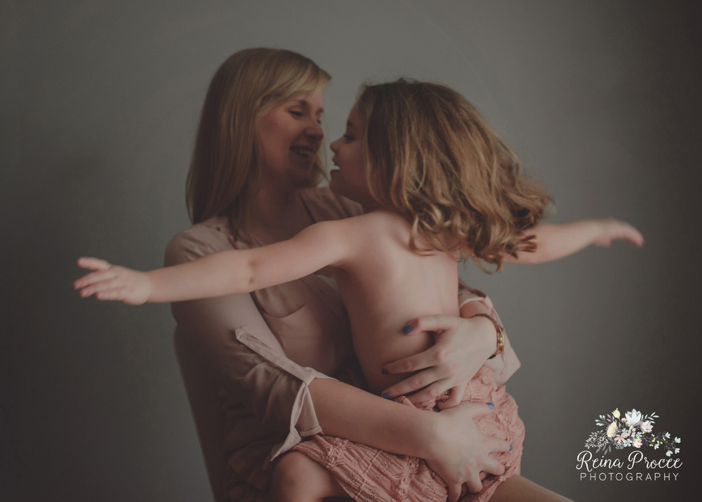 005-mama-love-photographer-montreal-family-best-photos-portraits.jpg