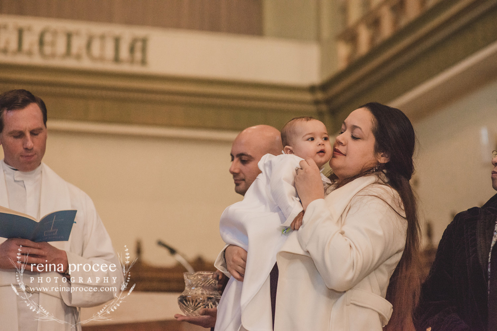 039-baptism-photographer-montreal-family-best-photos-portraits.jpg