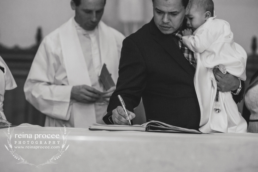 052-baptism-photographer-montreal-family-best-photos-portraits.jpg