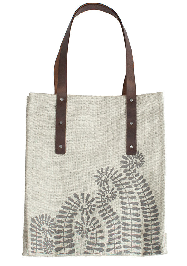 6_Isha_Fern_Print_Jute_Tote_with_Leather_Straps_and_Organic_Cotton_Lining__25399.1407421399.1280.1280.jpg