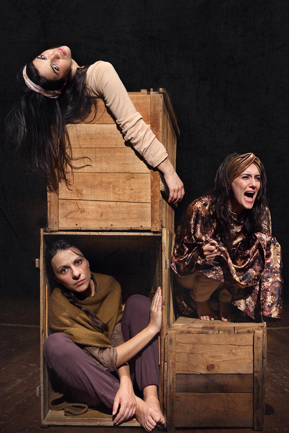 Cattive Ragazze . regia di Ignacio Bustamante. 2015