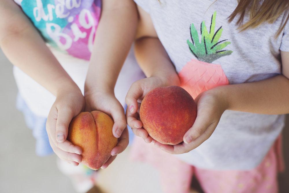 peach twins