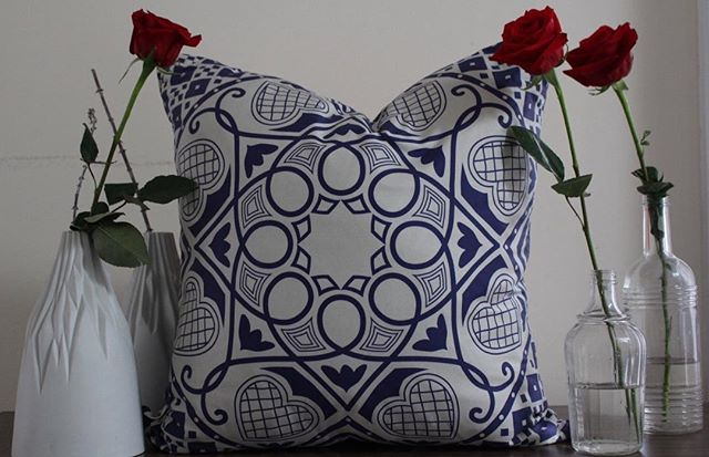 Wouldn't you like to cuddle with our Henna on a day like today, link in bio for the sale  #pillowdesign #textiledesign #interiordecor #homefurnishings #residentialdecor #hospitalitydecor #designstyle #homedecorstyle