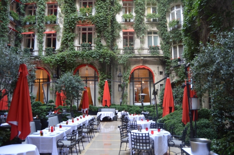 HOTEL PLAZA ATHENEE COURTYARD PARIS LUXURY HOTEL