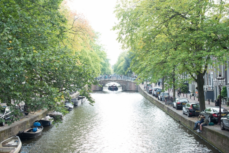 amsterdam canal travel guide