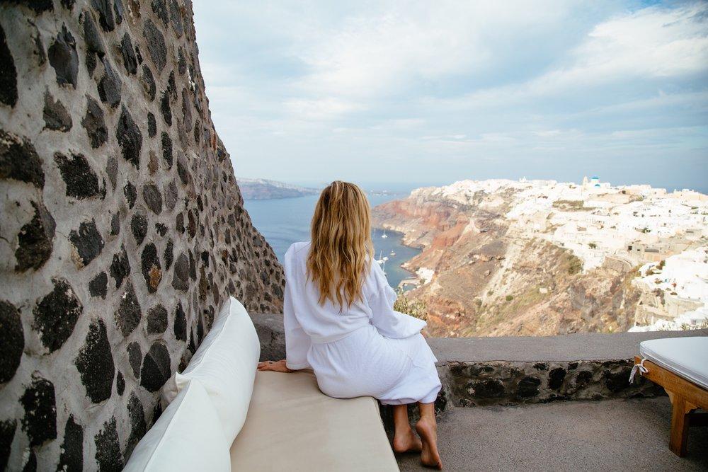 perivoals lifestyle suites oia santorini greece
