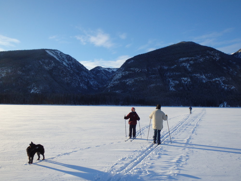 New Years Activities! - Enjoy a day on and around Muncho Lake. With snow shoeing, cross country skiing, ice skating and Ice hockey!