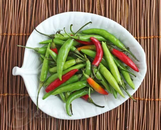 http://jeanetteshealthyliving.com/2012/10/thai-chili-pepper-sauces.html
