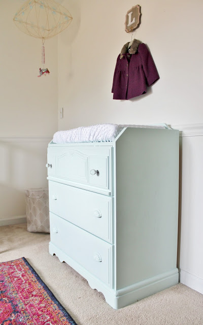 Great wood dresser makeover with new hardware and mint paint