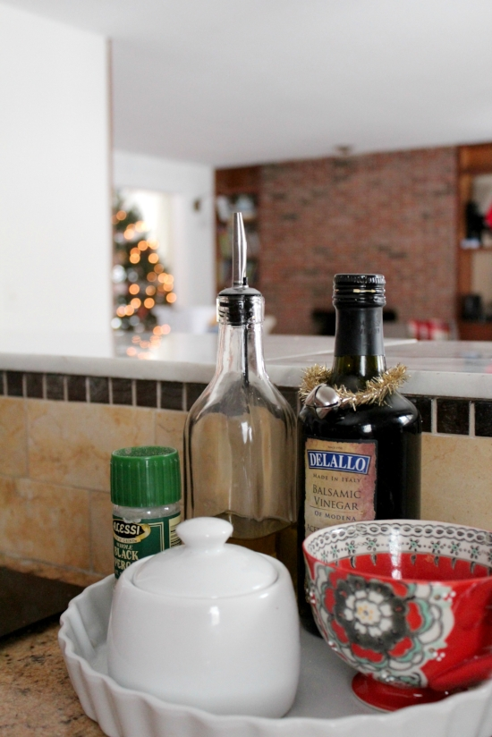 holiday touches in the kitchen