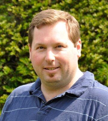 Andrew Huot Headshot_preview.jpg